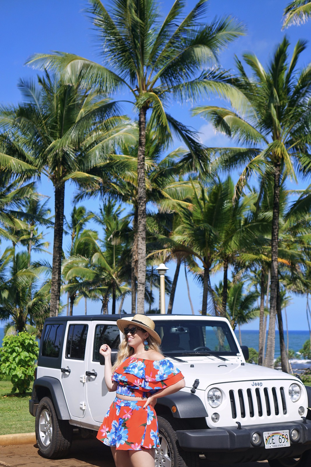 Straw Hat Hawaii Packing Essentials 10 Things You Should Pack in Your Hawaii Suitcase