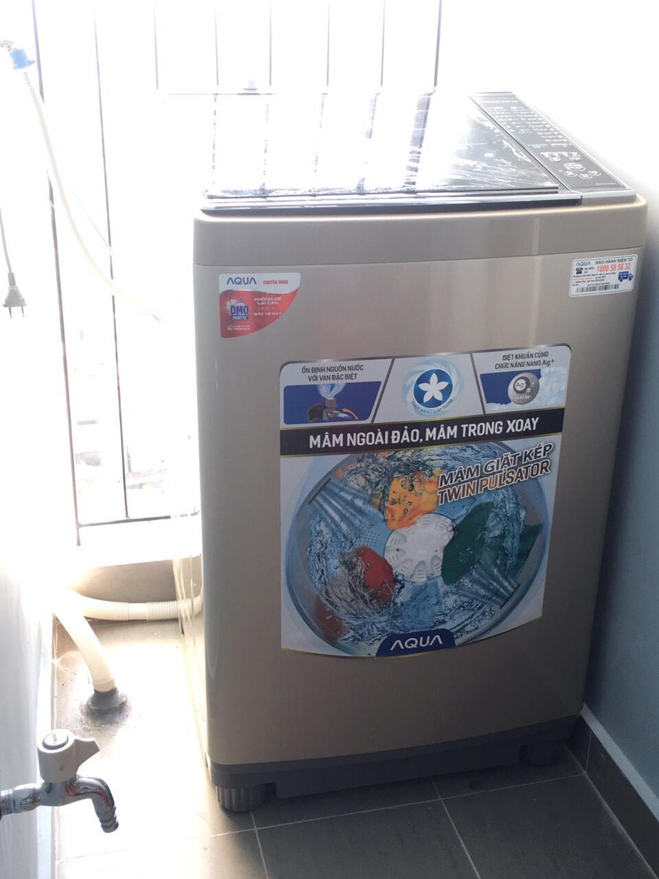 Máy giặt trang bị bên trong căn hộ M-One cho thuê.