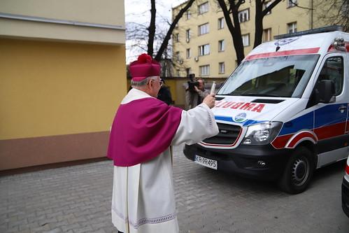 Poświęcenie sprzętu medycznego i kaplicy w szpitalu MSWiA w Krakowie