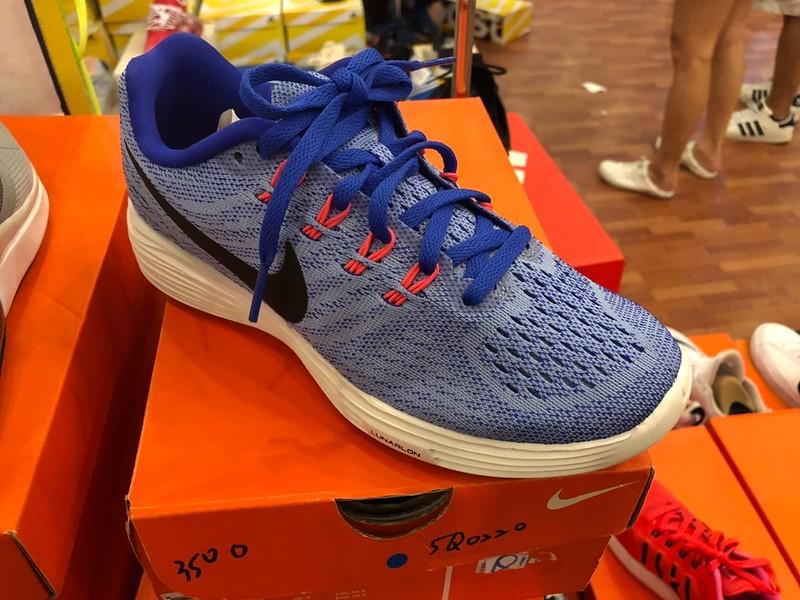 Nike一雙六折兩雙以上五折_190209_0001