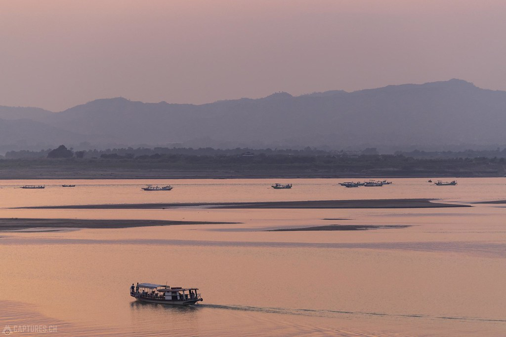 Sunset mood over the river - Bagan