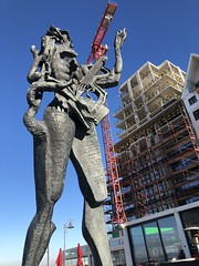 """Knocke-le-Zoute, art et nouvelle construction sur le place """"m'as-tu vu"""""""