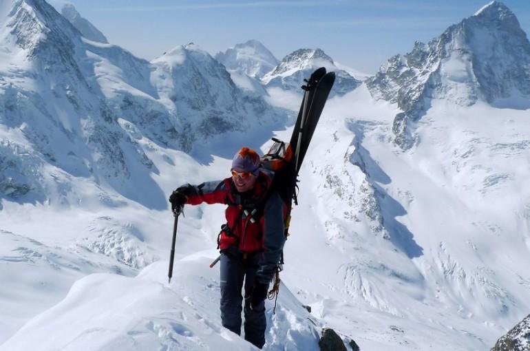Využití cepínu při skialpinismu