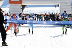 Frgály, portaši a běžky. Valašská SkiTour ve Velkých Karlovicích přilákala 700 běžkařů