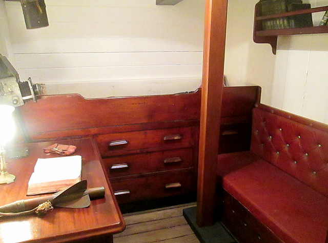 RRS Discovery, Officer's Quarters