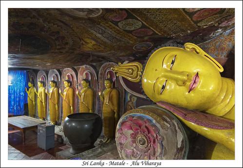 bouddha ceylan img1889 matalealuviharaya srilanka grotte temple matale lk