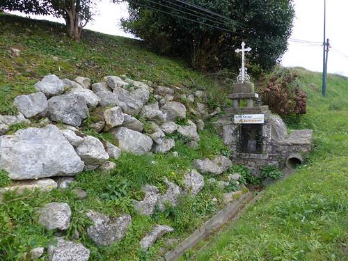 Sames, Pyrénées-Atlantiques: fontaine de Saintalange