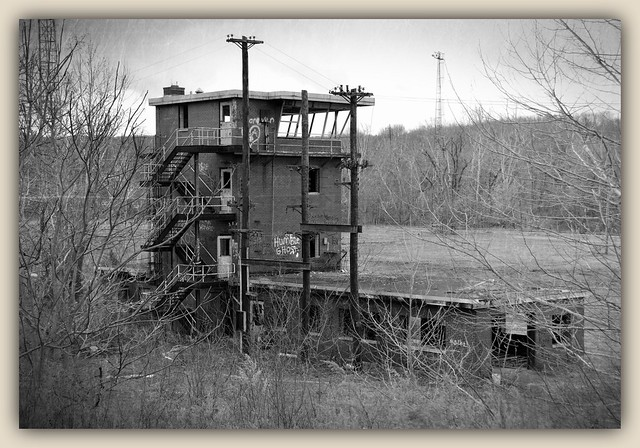 EX P&LE RR Gateway Yard Tower. Lowellville, OH