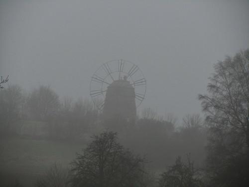 20110316 0203 249 Jakobus Eckartsberga Nebel Bäume Windmühle