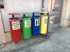 Abfalltrennung im Bahnhof Bonfol