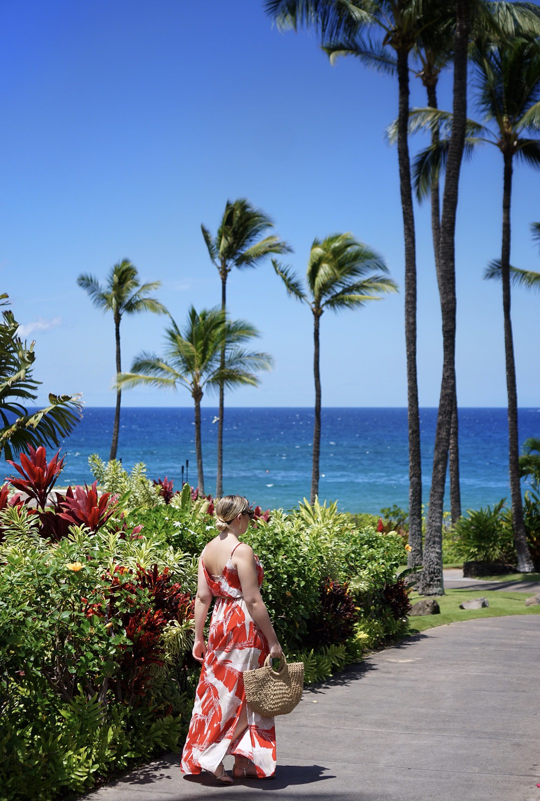 Hawaii Outfit Inspiration Palm Print Maxi Dress Fairmont Kea Lani Maui Hawaii Ocean View