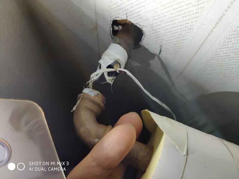 温水管 破損 (1)
