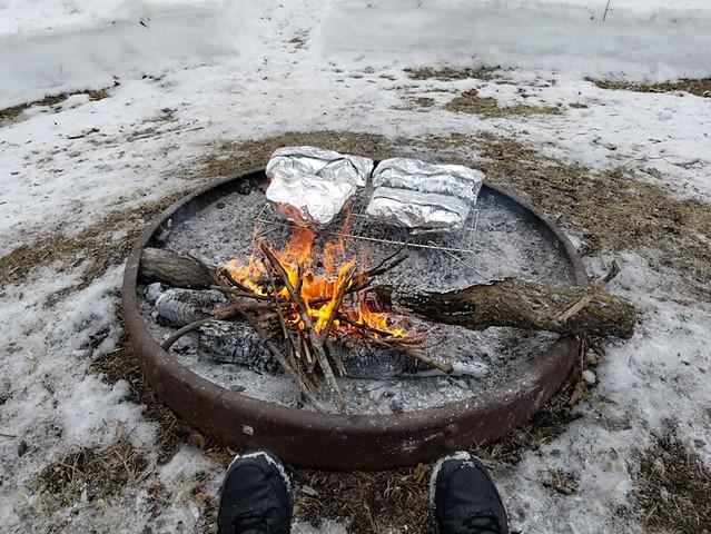 20190316.firepit.foilcooking.first.setup