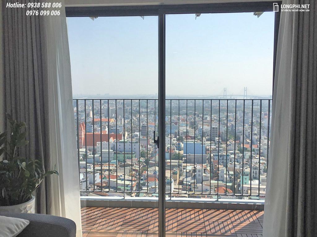 Balcony căn hộ M-One cho thuê.