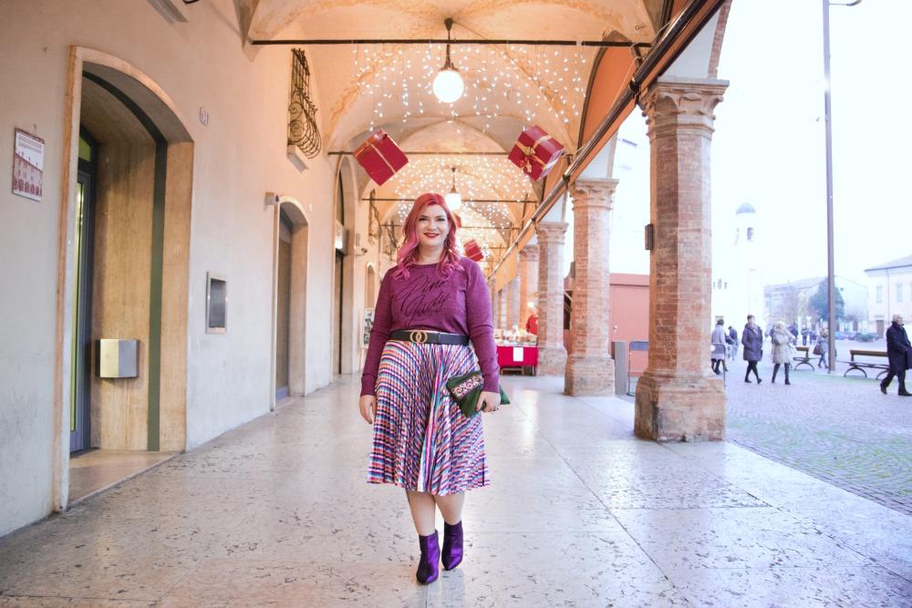 Outfit plus size, curvy, glitter, lamè e viola per Capodanno (9)