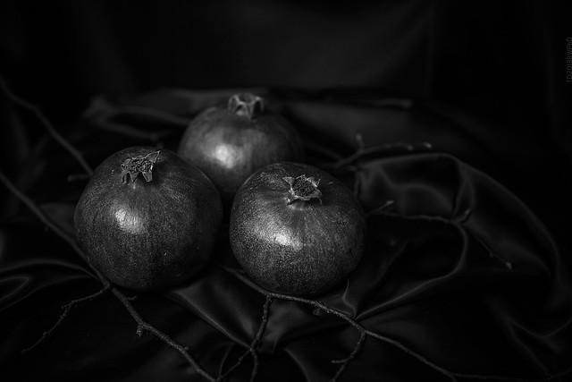 2018.12.23_357/365 - pomegranates