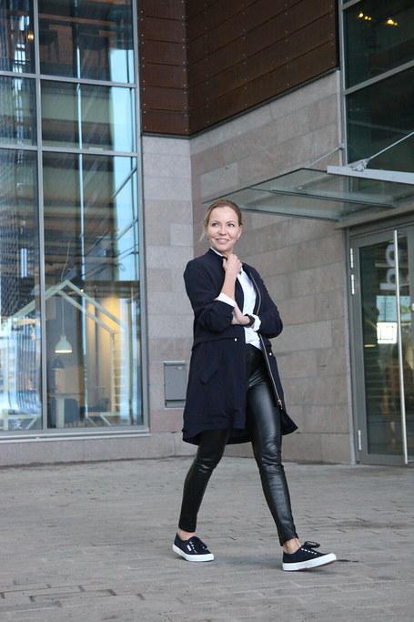 Klingel, Business Woman