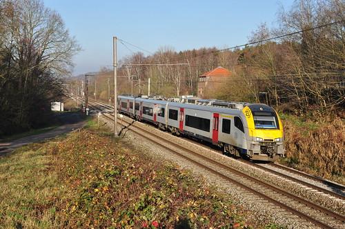 NMBS Desiro 08086 in Sint-Joris-Weert