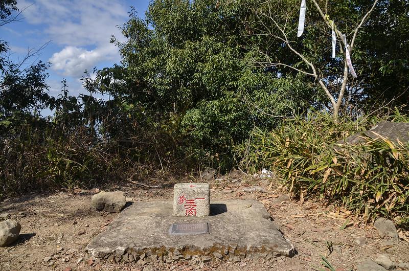 廓亭山一等三角點(Elev. 1044 m)