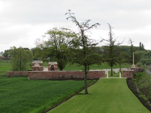 Zillebeke: CWGC Larch Wood (Railway Cutting) Cemetery (West-Vlaanderen)