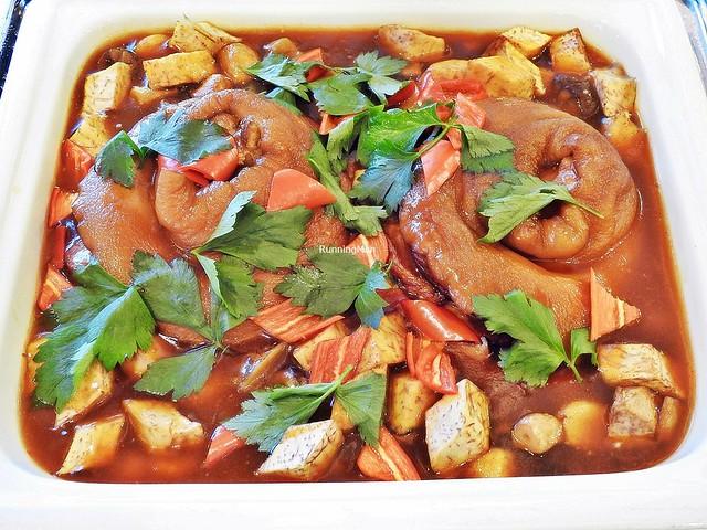 Stewed Whole Pork Trotters With Garlic, Yam / Taro, Mushrooms, Chestnuts
