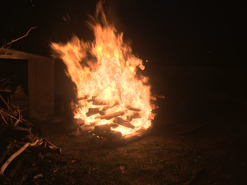 Hangi (earth/pit oven) fire