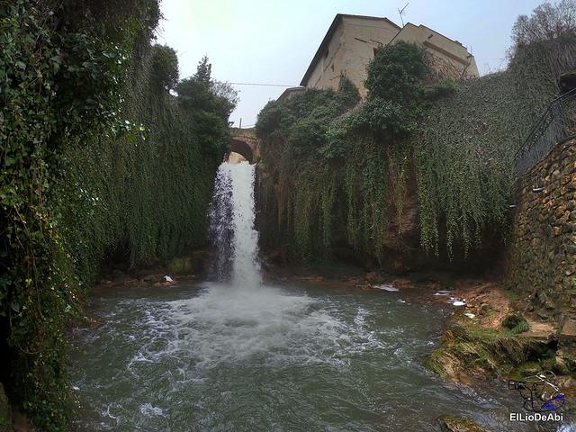 Disfrutando de Tobera y sus cascadas (16)