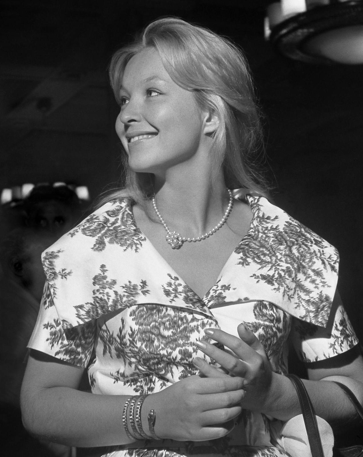 1959. Французская актриса Марина Влады на кинофестивале
