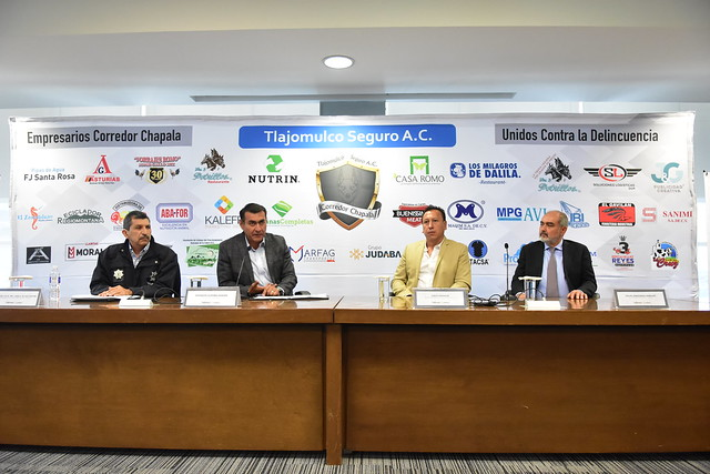El Presidente Salvador Zamora en Rueda de Prensa Junto con Empresarios de Corredor Chapala