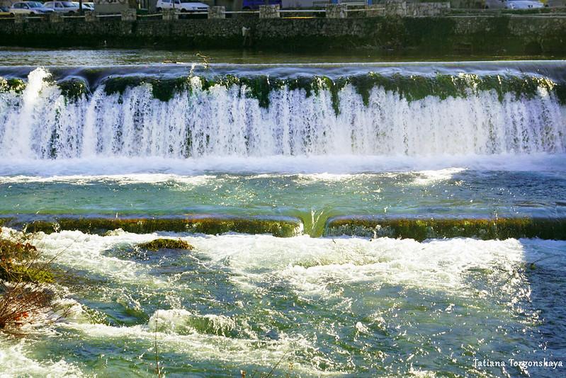 Вода в водопаде Бенат