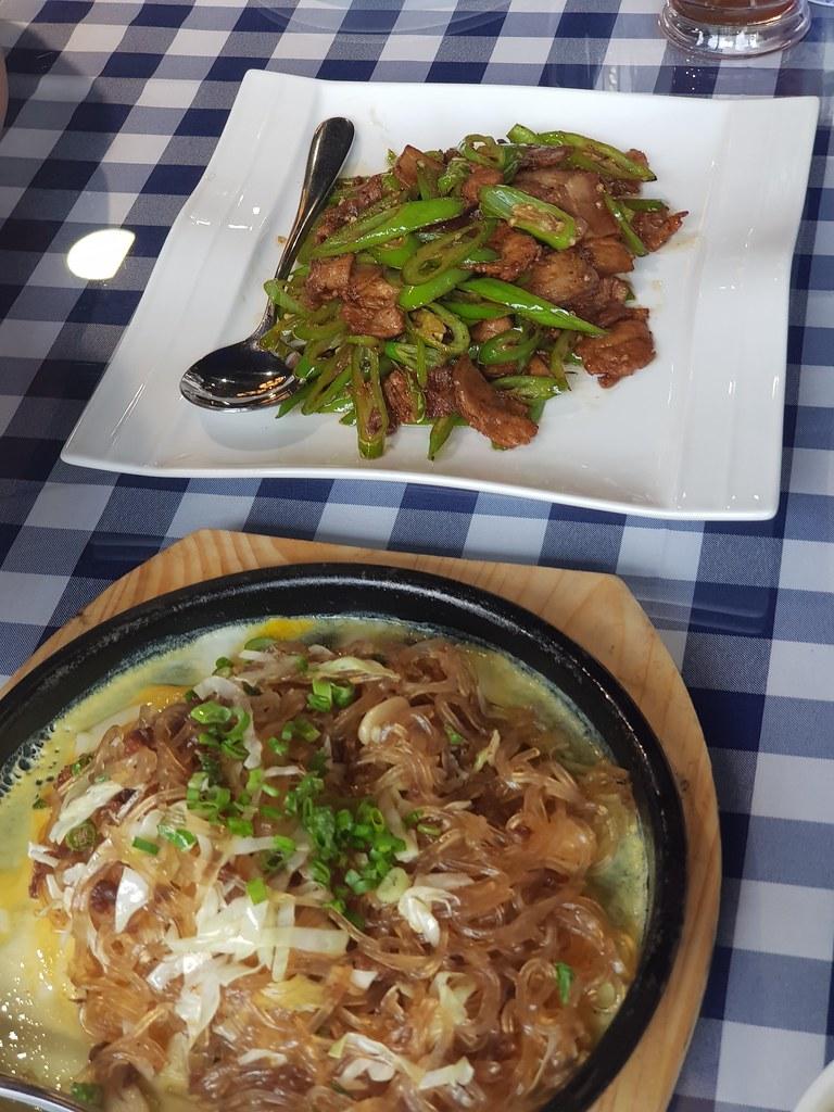铁板水晶粉 Iron Plate Crystal Noodles rm$20 & 农家小炒肉 Farmhouse fried meat rm$28 @ 天逸轩餐厅 Restoran Tian Yee at Oasis Square, PJ Ara Damansara
