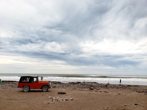 #jeep #playa #mar #tormenta