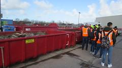 Studenten Middenkader bouw brengen bezoek aan Milieustraat Omrin