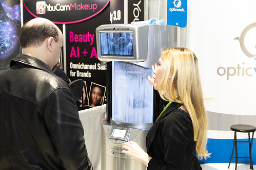 2019 High-Tech Retailing Showfloor | by LIDT