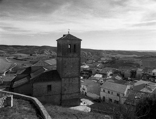 Cogolludo e iglesia de San Pedro.