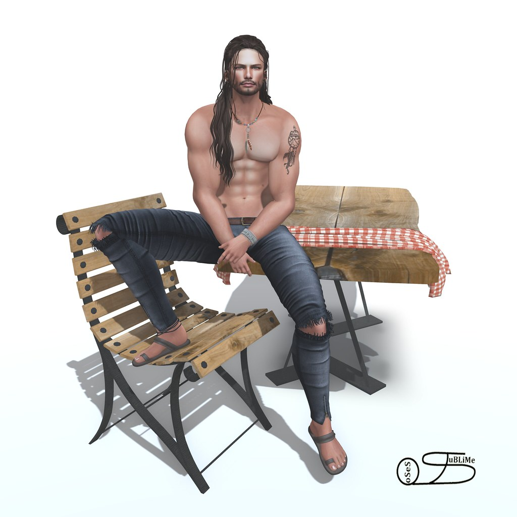 SuBLiMe PoSeS – Sit Table