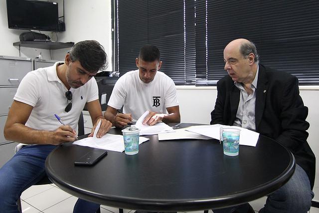 Apresentação de Diego Souza