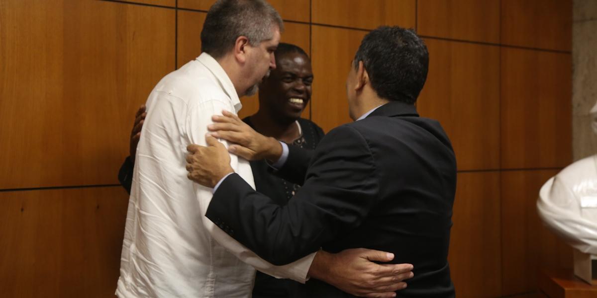 Viceministro William Castillo destaca las políticas económicas que desarrolla el Gobierno Bolivariano en Conversando con Kwesi. Fotos Malva Suàrez