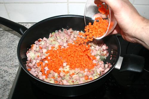 15 - Möhrenwürfel hinzufügen / Add diced carrots