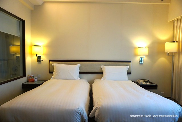 Executive Club Room - Twin Beds Regal Airport Hotel