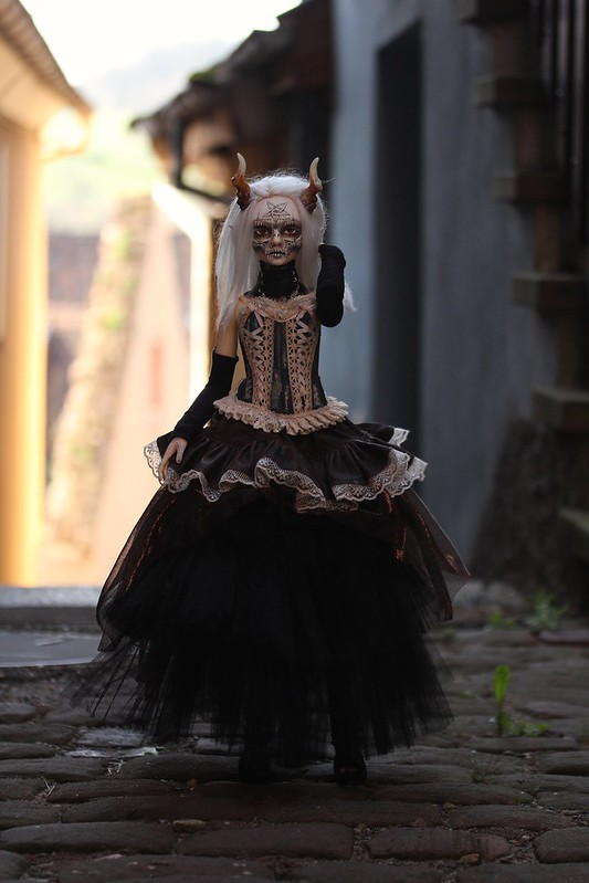 Ooo... Jour de pluie ...ooO (Glorydoll Goth Lucy, p.61)  - Page 30 33628796818_52d0abfd62_c
