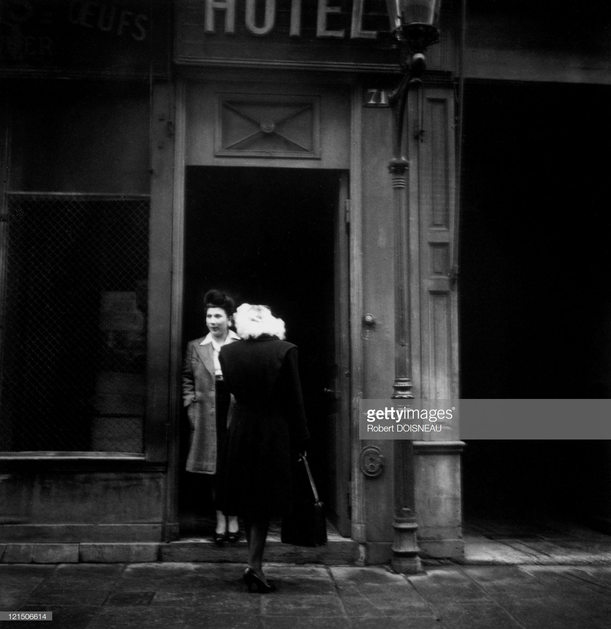 1946. Проституция в Париже