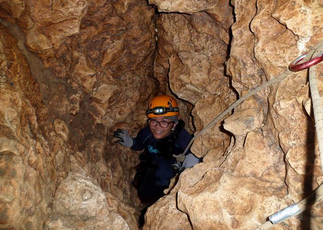 beanintransit-lobo-cave-11