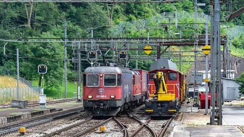 SBB Re 620 065 (Re 6'6 11665) & Re 4'4 2 11341 Amsteg-Silenen 07 July 2015 (1)