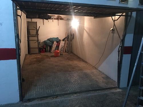 Grandioso garaje cabinado en pleno centro con altillo. Consulte precio a su inmobiliaria en Benidorm, Asegil www.inmobiliariabenidorm.com