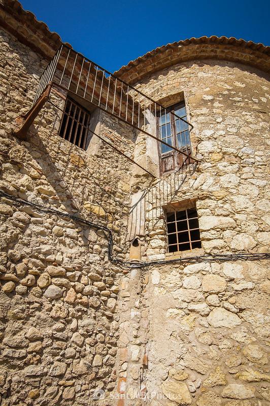 Balcón sin suelo en el Castell de Penyafort