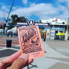 多得當地朋友報料,每月第二個星期日有洛杉磯最大規模的跳蚤市場開鑼,搭Uber到帕薩迪納玫瑰碗,入場囉! 【浪遊旅人】http://bit.ly/1zmJ36B #backpackerjim #local #fleamarket #market #rosebowl #pasadena #losangeles #usa #america