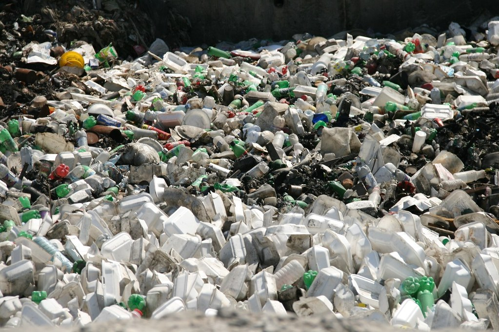 塑膠垃圾。Nels Israelson(CC BY-NC 2.0)