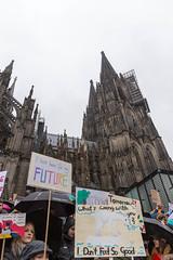 Fridays For Future am 15.03.2019 in Köln vor dem Hautpbahnhof/Dom