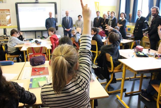Le ministre de l'Éducation Jean-Michel Blanquer en visite à l'école Alphonse-Dupeux de Bordeaux